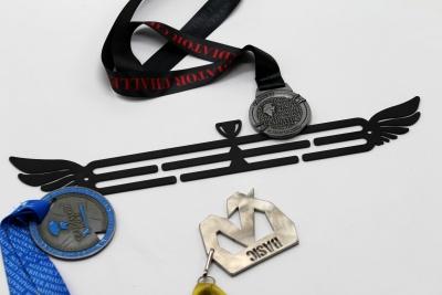 Kovový věšák na medaile - pohár